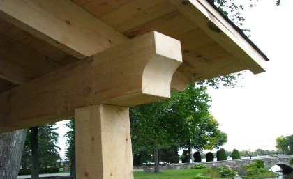 structure en pin blanc