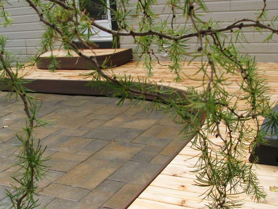 curved deck ste-adele